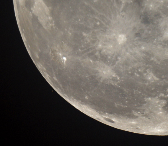 Aldebaran-Mond-CPreuss-29102015-01