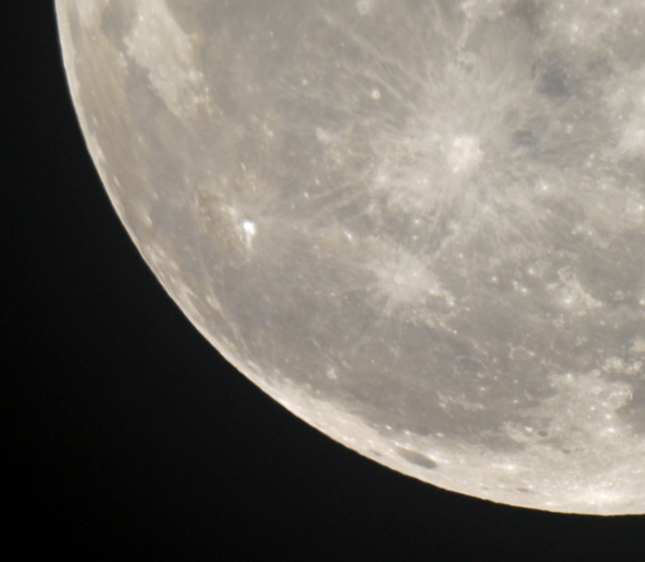 Aldebaran-Mond-CPreuss-29102015-04