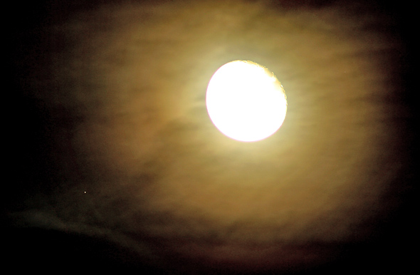 Aldebaran-Mond-CPreuss-29102015-11