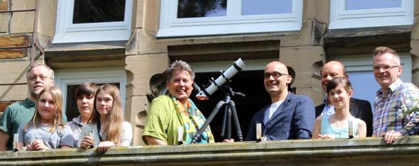 Freude über die Kooperation zwischen Schloss Hagerhof und Sternwarte Siebengebirge e.V.