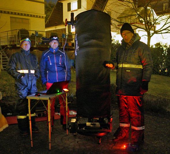 Mitglieder der Sternwarte Siebengebirge beim First Light des neuen Teleskops, (c) P. Oden