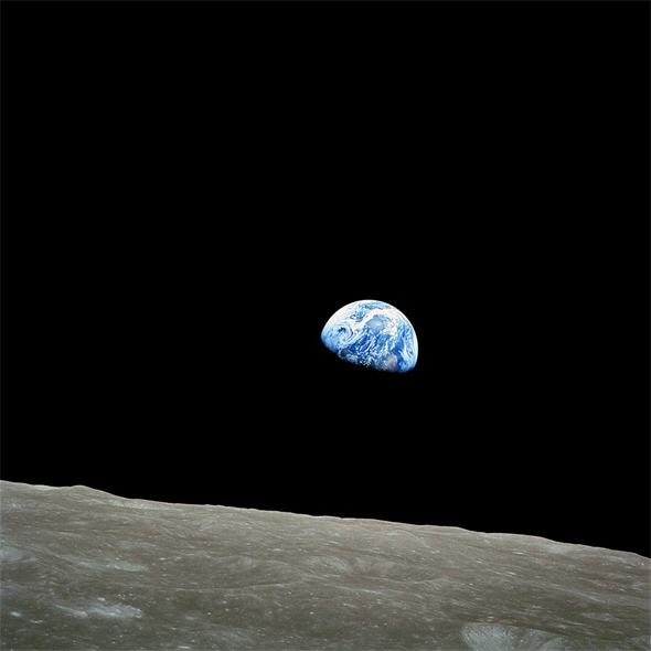 Earthrise-NASA-Apollo-8-590px